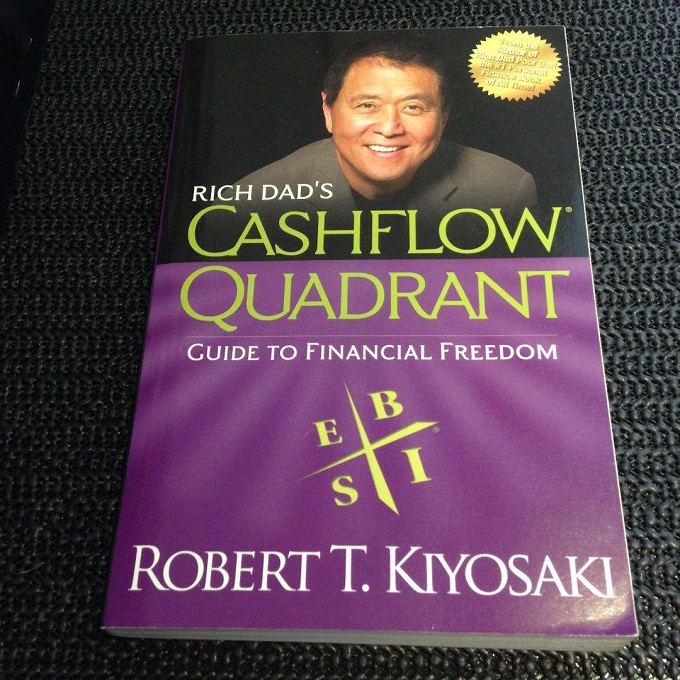 Rich Dad's Cashflow Quadrant: Guide To Financial Freedom(Physical Book)