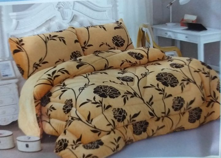Beautiful and Comfy Woolen Duvet Set and 2 Pillow Cases brown
