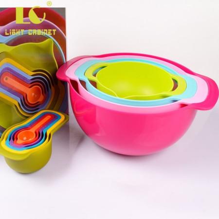 Measuring cups & mixing bowls set