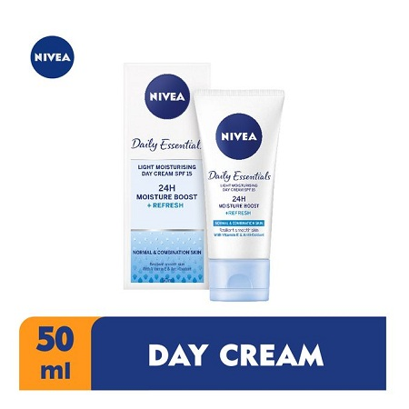 Nivea Light Moisturiser Day Cream SPF 15 For Women - 50ml