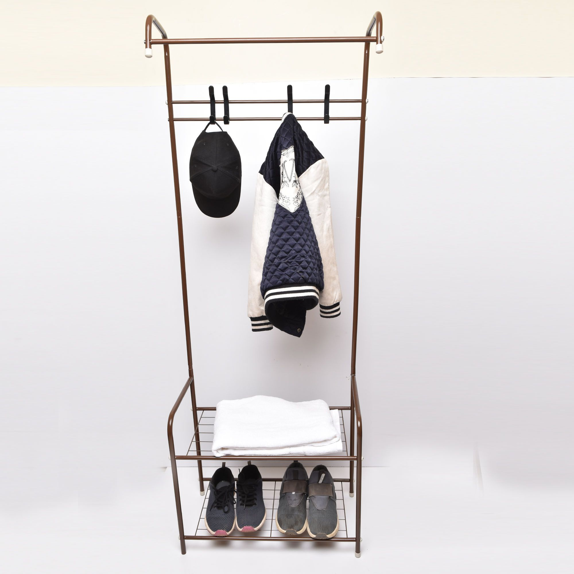 Door coat hanger with shoe rack