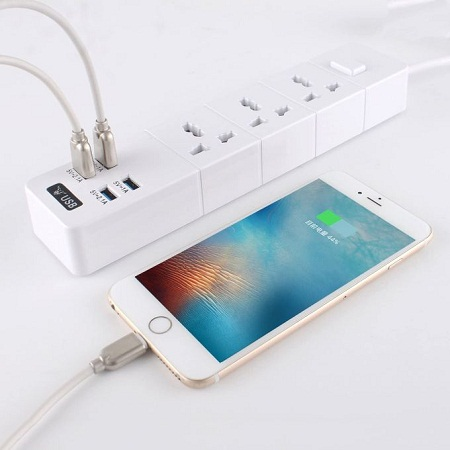 Auto ZGN-T08 Power Strip With 3 Outlets And 4 USB Ports