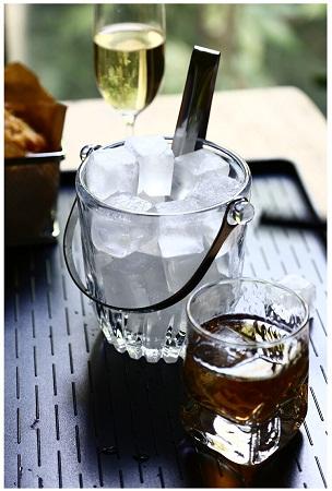 Glass ice cube bucket