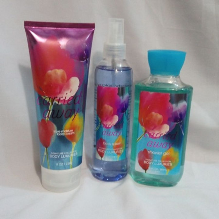 Signature collection Fly away / Carried Away 3 in 1 Shower gel, Body Splash and Lotion