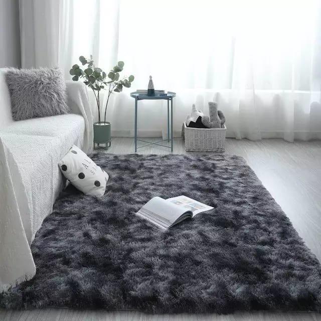 Black patched-Fluffy Carpet 5*8