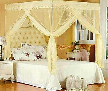 Classic 4 Post Mosquito Net- Cream
