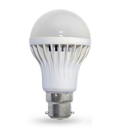 Dawn to Dusk Automatic LED Light and Darkness Sensor Bulb - Off White