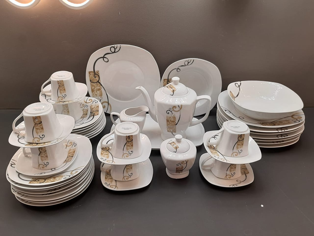 47 pcs Dinner Set Plates - Includes Plates , cups, kettle, jar, sugar bowl, serving dish