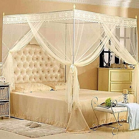 Mosquito net with straight metallic stands 4*6 cream