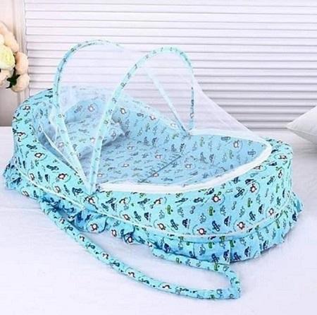 Unique Portable & Foldable Baby Bassinet/Sleeping Nest