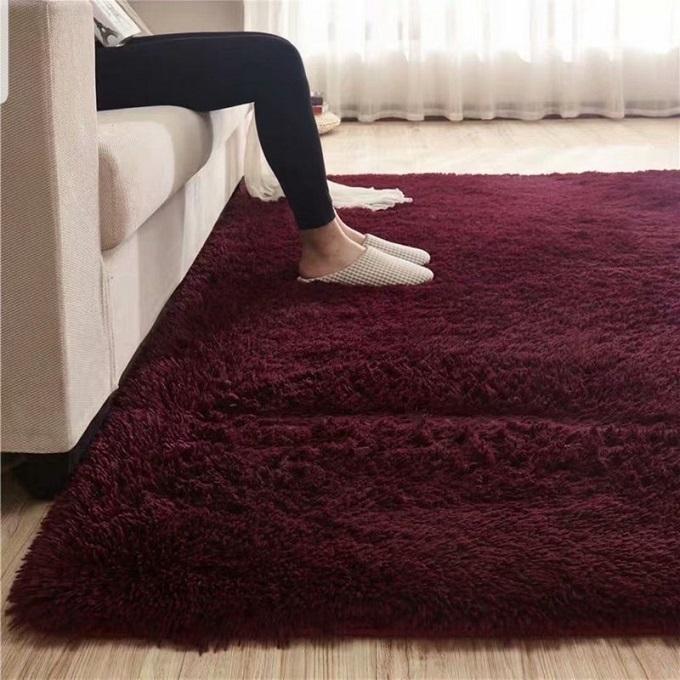 Maroon Shaggy Carpet 5*8